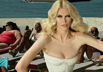 claudia-schiffer-dolce-and-gabanna