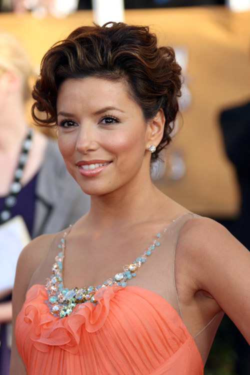 eva-longoria-jenny-packham-peach-dress-2009-sag-awards-portrait