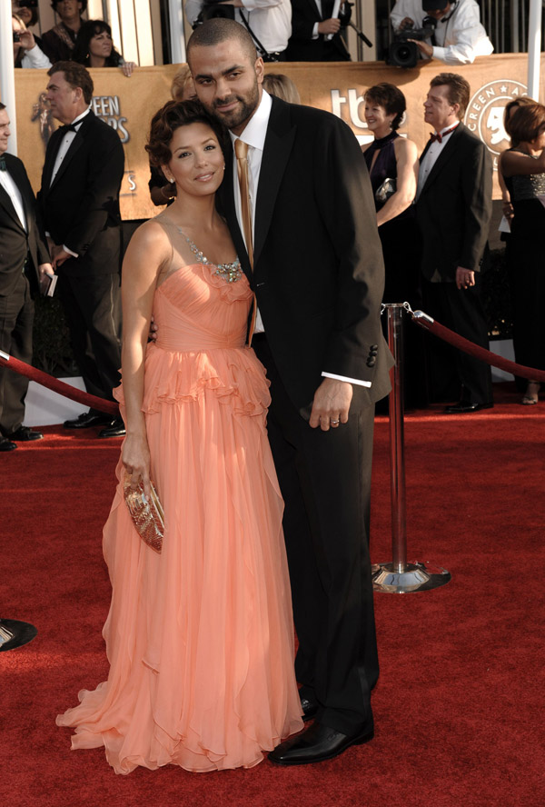 eva-longoria-jenny-packham-peach-dress-2009-sag-awards-tony-parker1