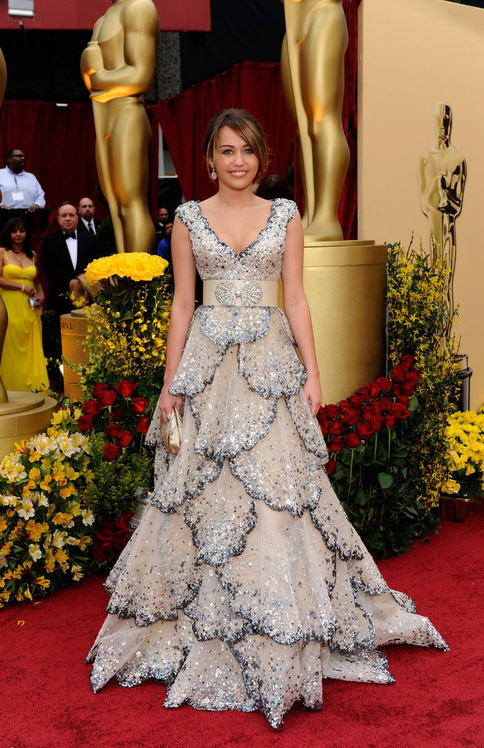 miley-cyrus-zuhair-murad-dress-oscars-2009