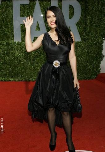 2009 الفساتين salma-hayek-oscar-20