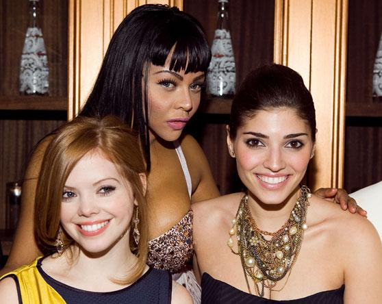 dreama-walker-lil-kim-amanda-sutton
