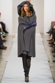 cape with gloves Oscar de la Renta