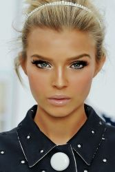 barbie make-up