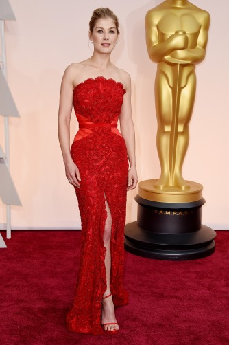 Dresses at the Oscars 2015 Rosamund Pike