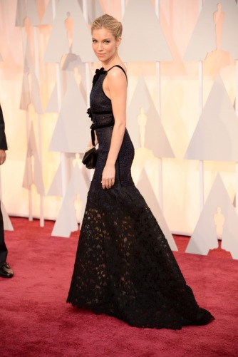 everydayfacts Dresses at the Oscars 2015 Sienna Miller