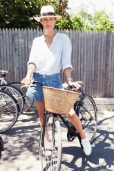 Off-Duty Model Fashion Style Inspiration Carolyn Murphy