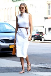 Off-Duty Model Fashion Style Inspiration Gigi Hadid