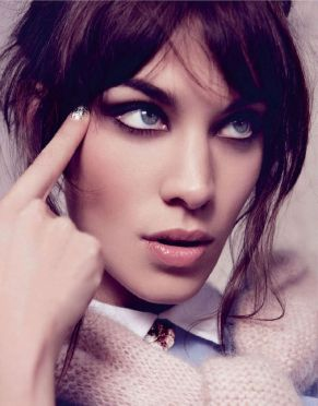 everydayfacts party nails Alexa Chung