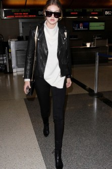 everydayfacts Gigi Hadid casual outfit