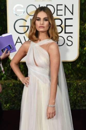 everydayfacts Golden Globes 2016 Lily James hair